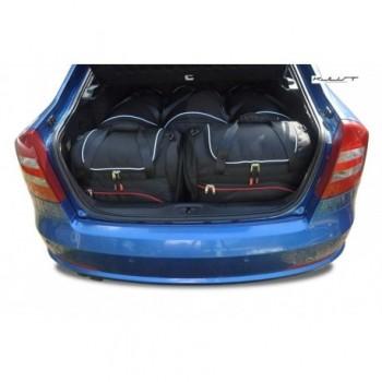 Kit maletas a medida para Skoda Octavia Hatchback (2004 - 2008)
