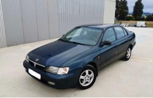 Toyota Carine E Sedán