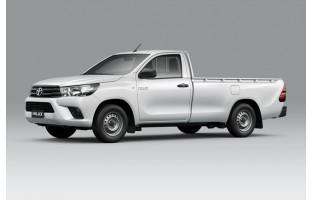 Alfombrillas bandera Racing Toyota Hilux cabina única (2018 - actualidad)